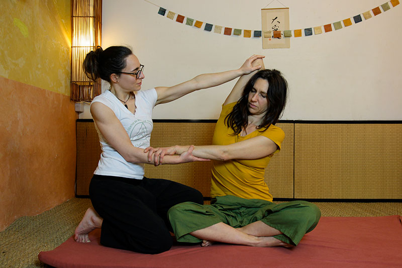 Massage thai Marseille étirements