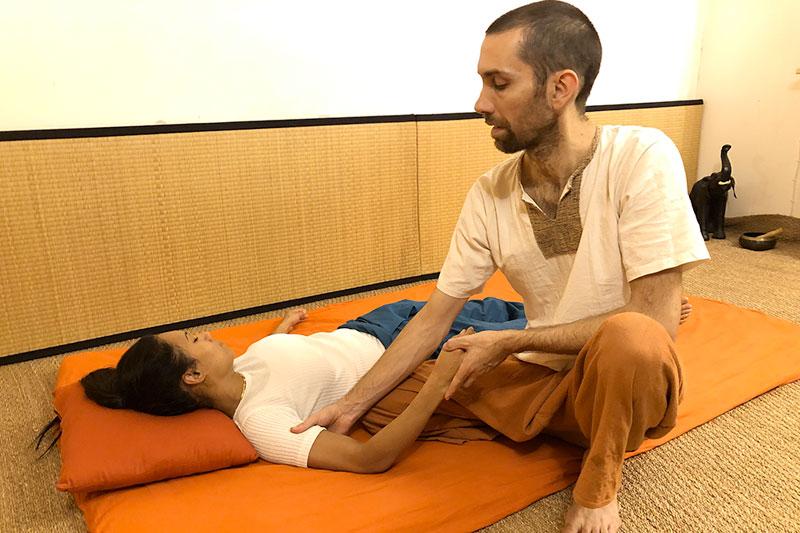 Massage traditionnel thai pressions